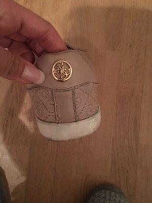 Guess Schuhe in rosa und weiß