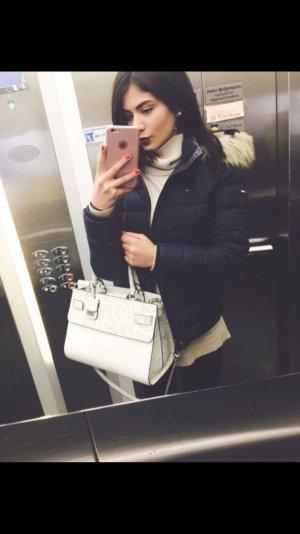 Guess sehr schöne Handtasche