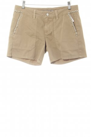 Guess Shorts marrón claro look casual