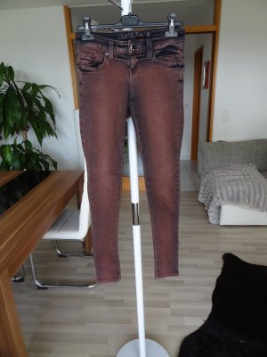 GUESS Skinny Jeans, Gr. 25, dunkelrot, top Zustand!!
