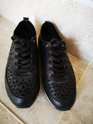Guess Sneaker stringata nero Pelle