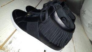 Guess - Sneaker mit Fransen - schwarz - Leder - neu