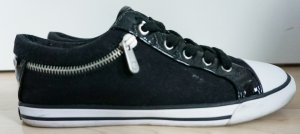 GUESS Sneaker mit Lackdetails