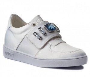 Guess Sneaker mit Steinen NEU Letzter Preis