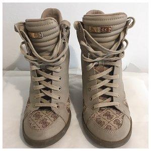 GUESS; Sneaker-Wedges; perfekt für Übergangsaison