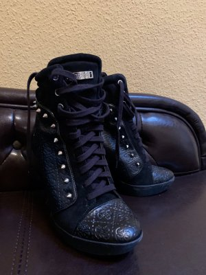 Guess Lace-up Booties black