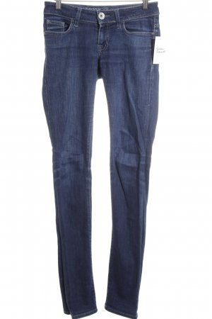 Guess Straight-Leg Jeans dunkelblau Street-Fashion-Look
