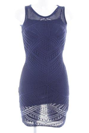 Guess Strickkleid blauviolett abstraktes Muster Casual-Look