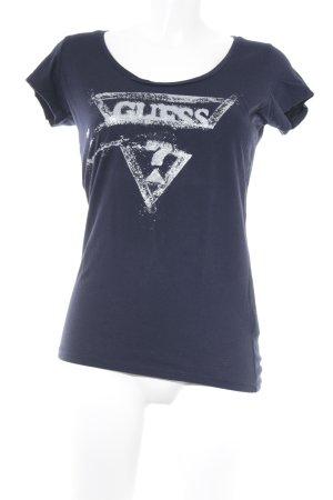 Guess Camiseta azul oscuro estampado en partes look casual