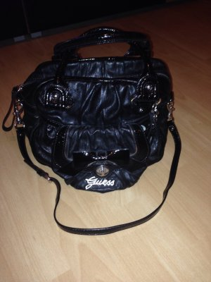 Guess Bolso barrel negro-color plata