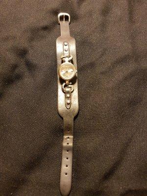 Guess Uhr mit Gebrauchsspuren