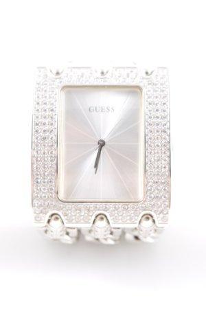 Guess Uhr mit Metallband silberfarben extravaganter Stil