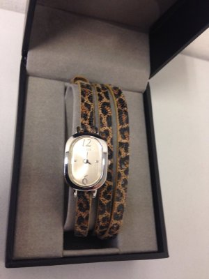 Guess-Uhr mit Wickelarmband Leomuster