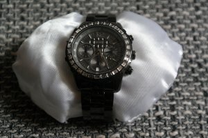 Guess Reloj con pulsera metálica negro
