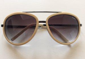 Gut erhalten Pepe Jeans Sonnenbrille. Keine Mängel oder Kratzer. Etui von Ray-Ban vorhanden.