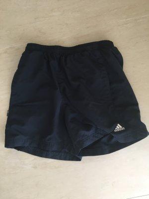 Gut erhaltene Adidas Shorts