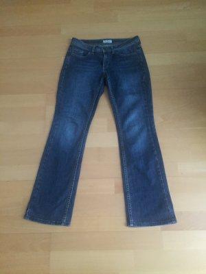 gut erhaltene schöne  Jeans, W28/L32