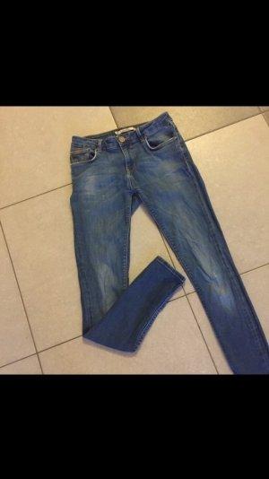 Gut sitzende zara Jeans