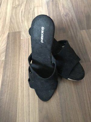 Graceland Platform Sandals black
