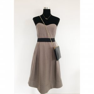 H&M 50er Jahre Glockenkleid 38 40 beige mit weitem Saum Bandeau Kleid Wollstoff