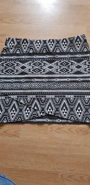 H&M Stretch Skirt white-black