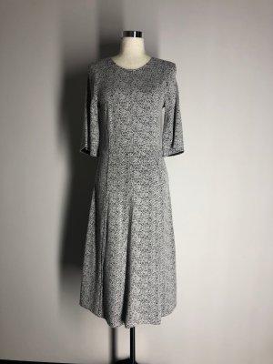 H&M A-Linien MidiKleid, weiß-schwarz