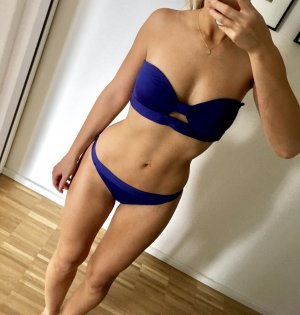 H&M Bikini Blau Bandeau Lila Blogger ausverkauft Trend
