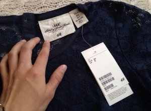 H&M Blumen Lochmuster T-Shirt Spitze