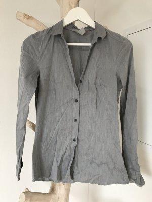 H & M Bluse // Graublau