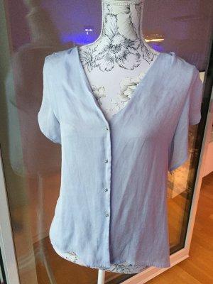 H&M Bluse kurzarm hellblau Gr 44 wie neu mit leichtem Pünktchenmuster