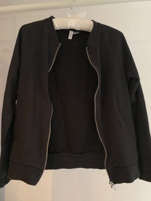 H&M Divided Chaqueta estilo universitario negro