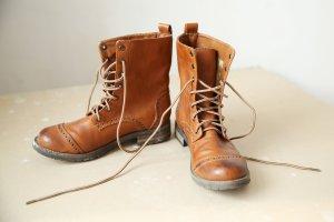 H&M Boots -- camel --
