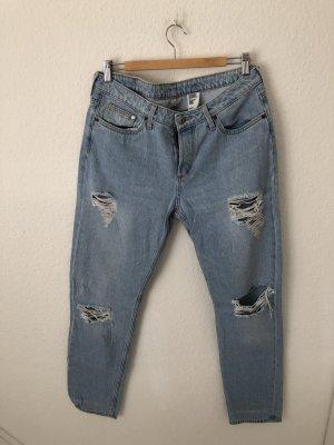 H&M Boyfriend Jeans Destroyed Hellblau