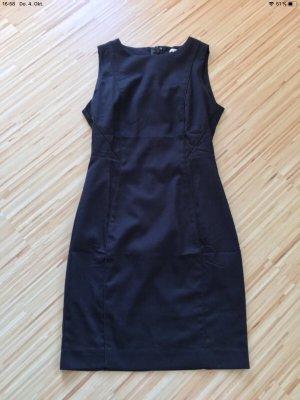 H&M L.O.G.G. Robe fourreau noir-bleu foncé