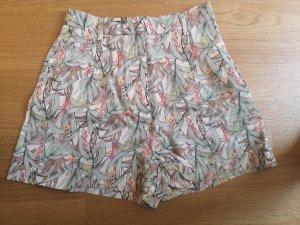H&M City Shorts Gr 38 neu