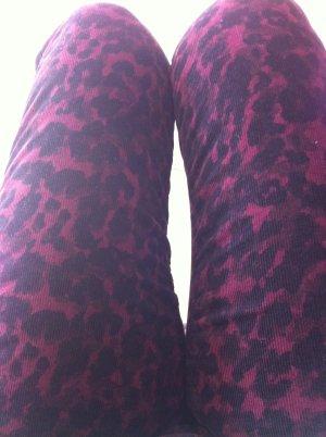 H&M Cordhose im Leopardenmuster