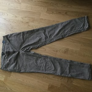 H&M Cordhose in khaki-grau in Gr. 42