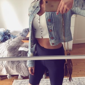 H&M Crop Jeansjacke used look Destroyed Blogger Löcher Top