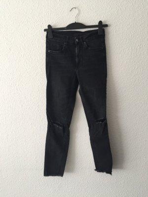 H&M destroyed Denim Röhren-Jeans 36