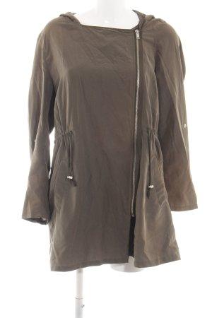 H&M Divided Chaqueta tipo blusa caqui look casual