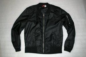 H&M DIVIDED Damen Bomberjacke schwarz Größe 36 neuwertig