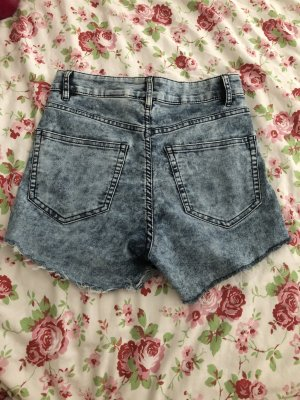 H&M Divided High-Waist-Shorts