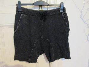H&M Divided Jersey Shorts used look Gr. S tiefer Schritt