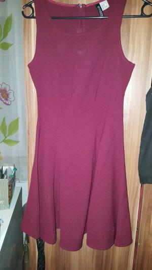 H&M - Divided Kleid Dunkelrot