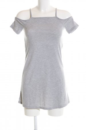 H&M Divided Vestido estilo camisa gris claro look casual