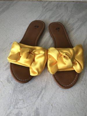 H&M Sandalo infradito giallo