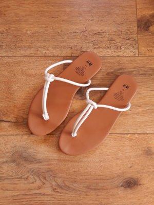 H&M Flip-Flop Sandals white-cognac-coloured