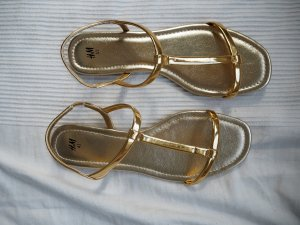 H&M Strapped Sandals gold-colored