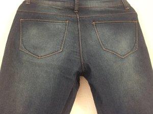 H&M helle Jeanshose Röhre
