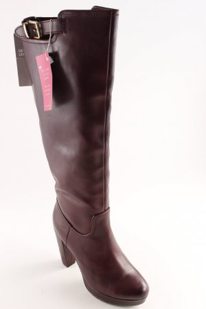 H&M High Heel Stiefel brombeerrot Street-Fashion-Look